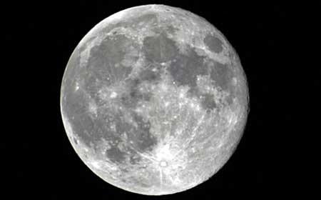 Луна «зарождала» жизнь на Земле